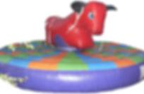 Jeux sportif enfant ou adulte. Le taureau gonflable