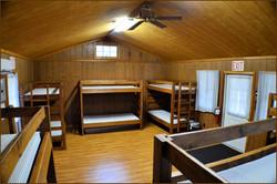 mack-cabin-interior-dsc_0230.jpg