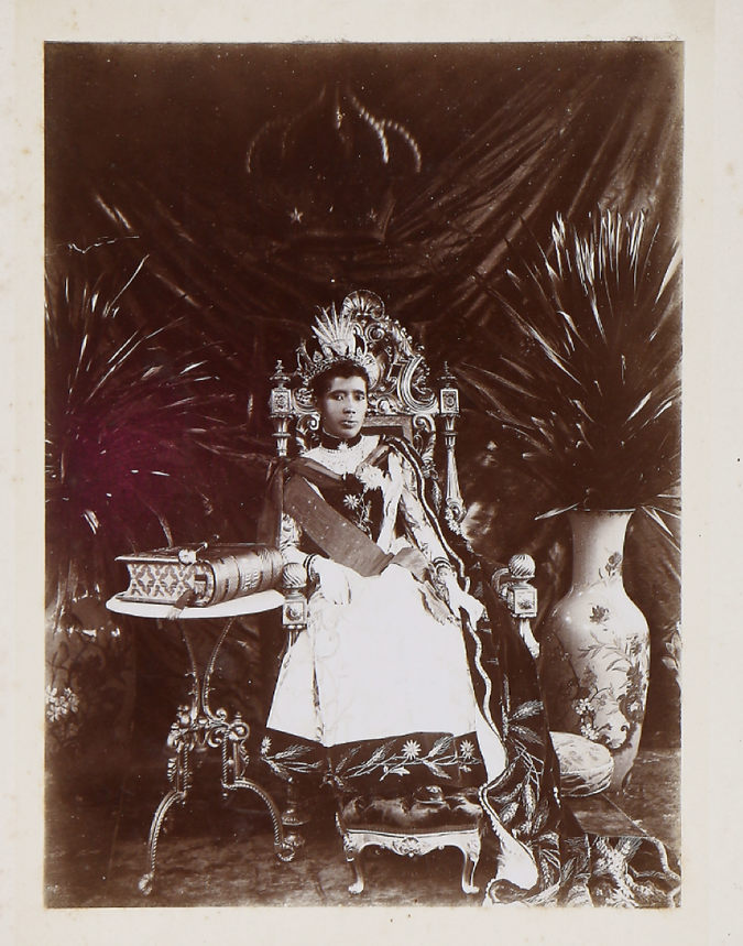 Queen 1.png