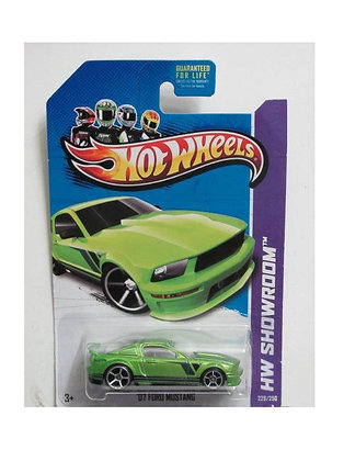 Hot Wheels Showroom - '07 Ford Mustang