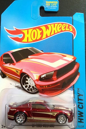 *Super T-Hunt* Hot Wheels City - '07 Ford Mustang