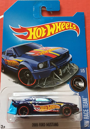 *SUPER T-Hunt* Hot Wheels Race Team - 2005 Ford Mustang