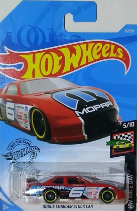 Hot Wheels Race Day - Dodge Charger Stock Car