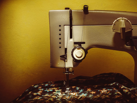 NL Makers Repairing Old Sewing Machines to benefit refugees