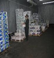Distribution de manger par CCF New York, beth chabad francais et francophone de ny