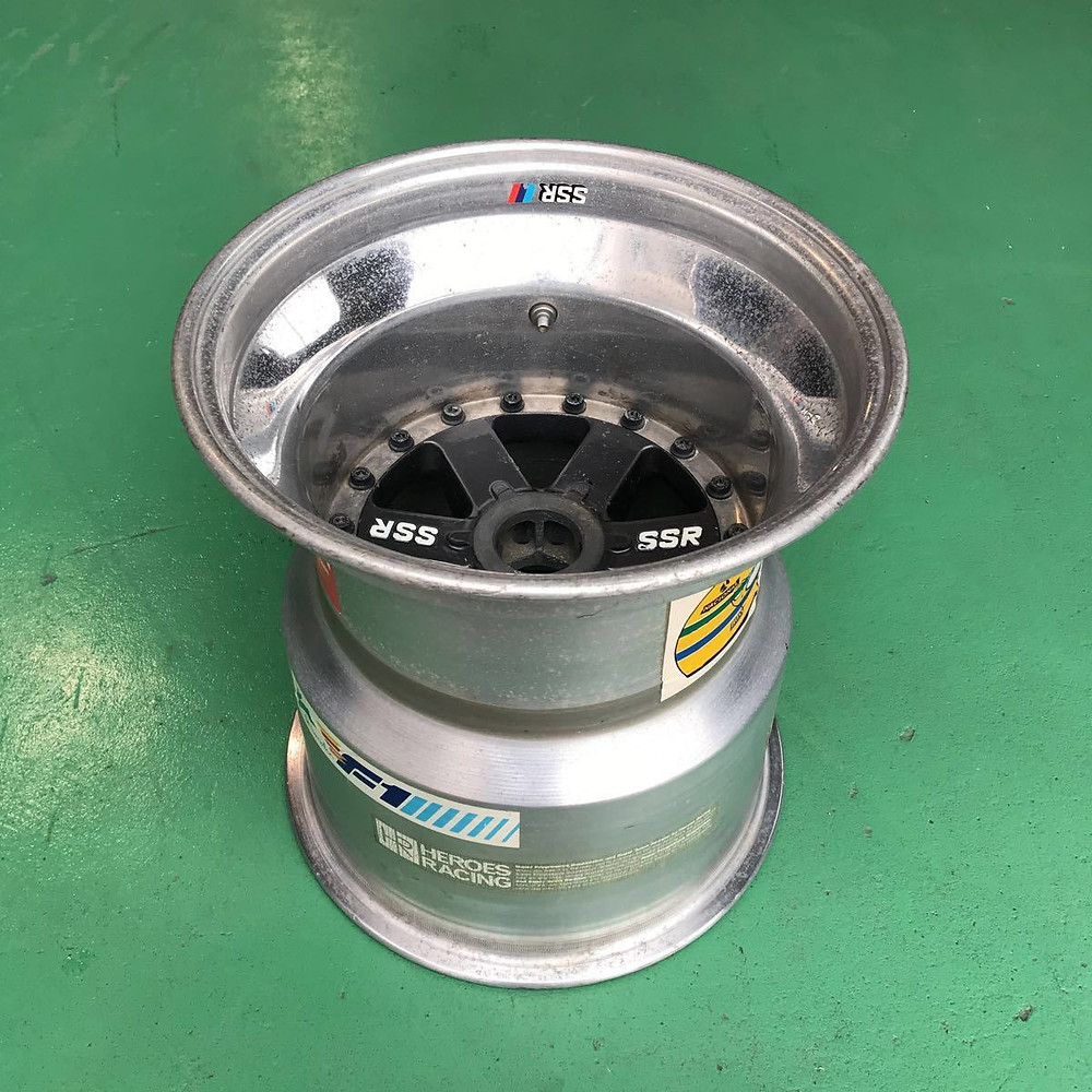 Centre lock three piece wheel SSR