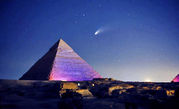 comet-hale-bopp-above-pyramid-of-khafre-