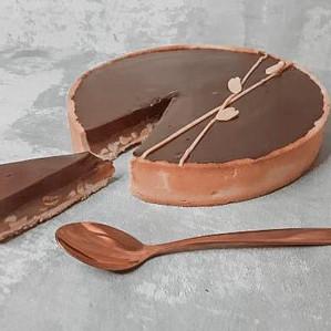 טארט שוקולד-קרמל-בוטנים של טל משה