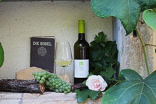 Bibel und Wein 600px.jpg