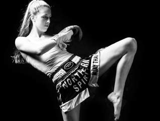 Muay Thai auxilia mulheres na busca pelo corpo perfeito