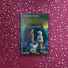 Applegate Endling – Die Suche beginnt (ab 11 Jahre)   Ein wunderbar erzählter Fantasyroman. Er spielt in einem fiktiven Land, bevölkert von Menschen, Tieren und Zwischenwesen. Es herrscht eine grausame Diktatur und Byx, die Erzählerin ist die letzte in ihrem Land überlebende Dalkin (Endling). Sie findet Freunde mit denen sie gegen die bösen Mächte kämpft. Viele Abenteuer gibt es in dieser Road Novel zu erleben. Spannend bis zur letzten Seite – und die Geschichte geht weiter im 2. Band: Endling- Weggefährten und Freunde  #applegate #endlling #diesuchebeginnt #lesenab11 #fantasyfürkinder #buchempfehlung #dtv