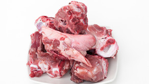 Tips for feeding raw meaty bones to your dog or cat