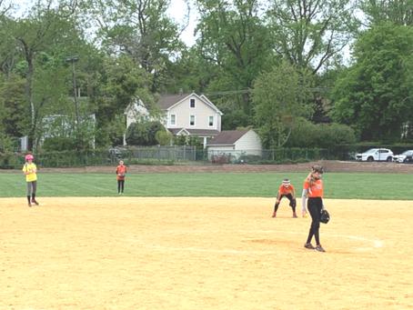 Rumson Softball Players Are Running WILD!