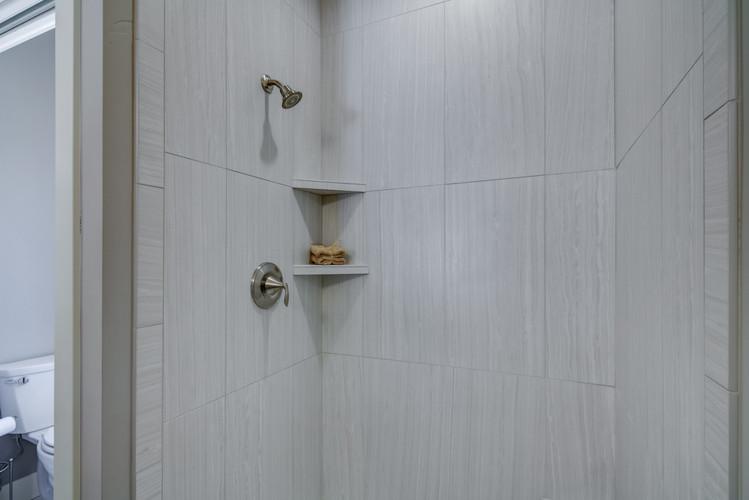 07 - Master Bathroom-5.jpg