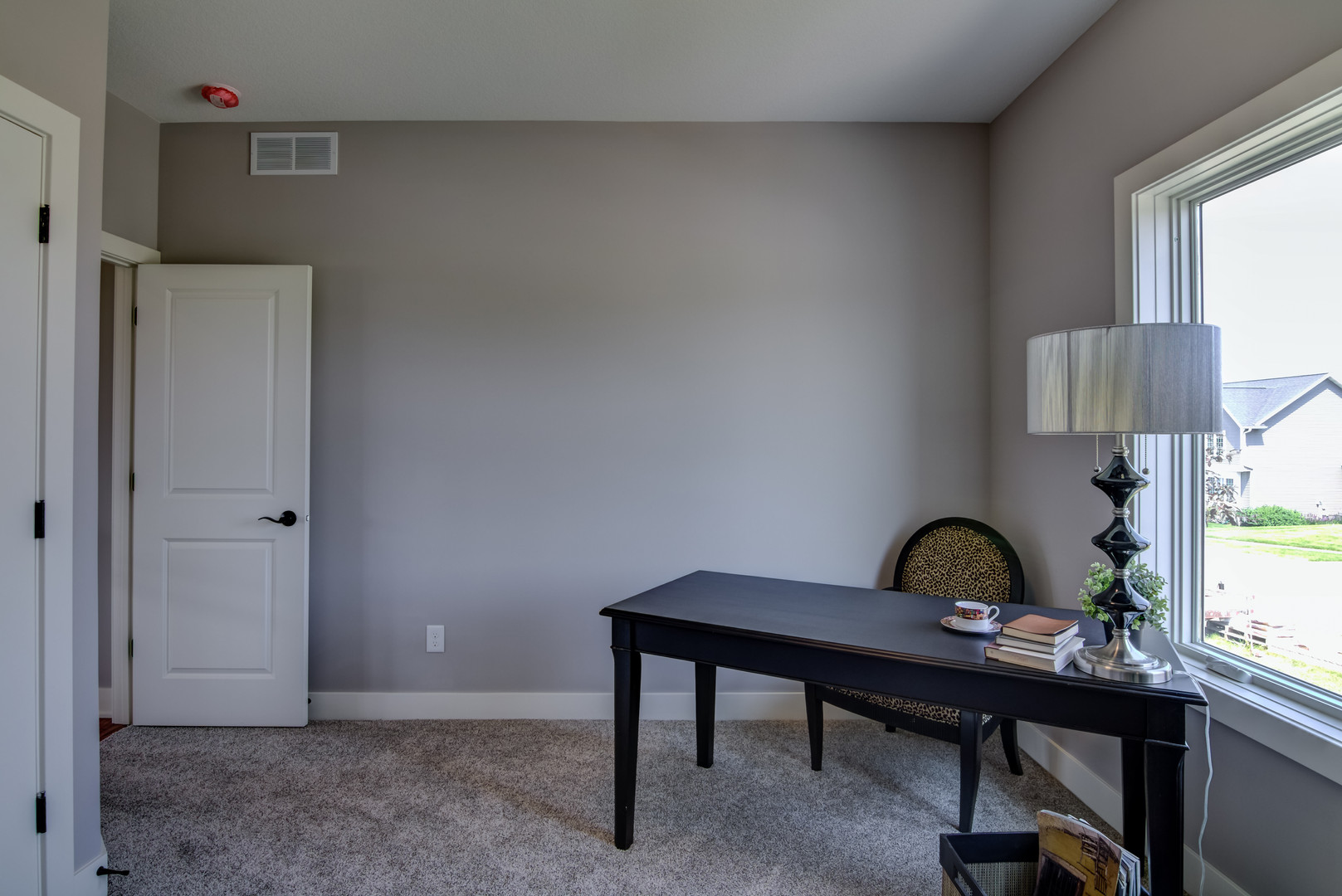 10 - Main Level Bedroom - 1-3.jpg