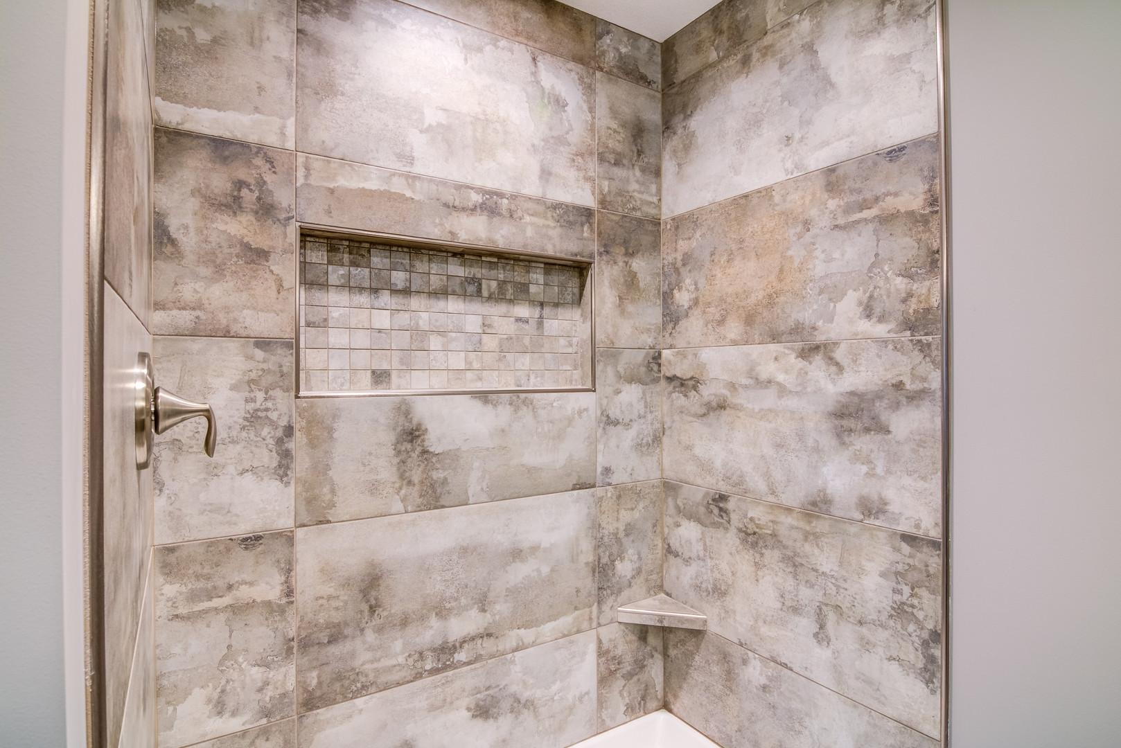 07 - Master Bathroom-2.jpg