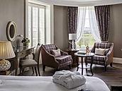 TEWKESBURY PARK HOTEL BEDROOM