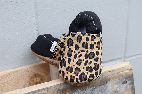 Leopard low top baby moccasins