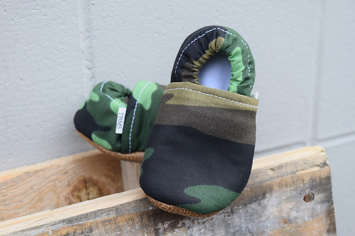 Camo low top baby moccasins