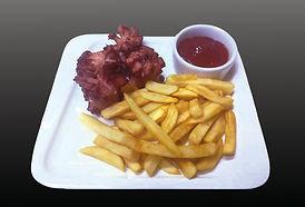 картофель фри с сосиской.jpg