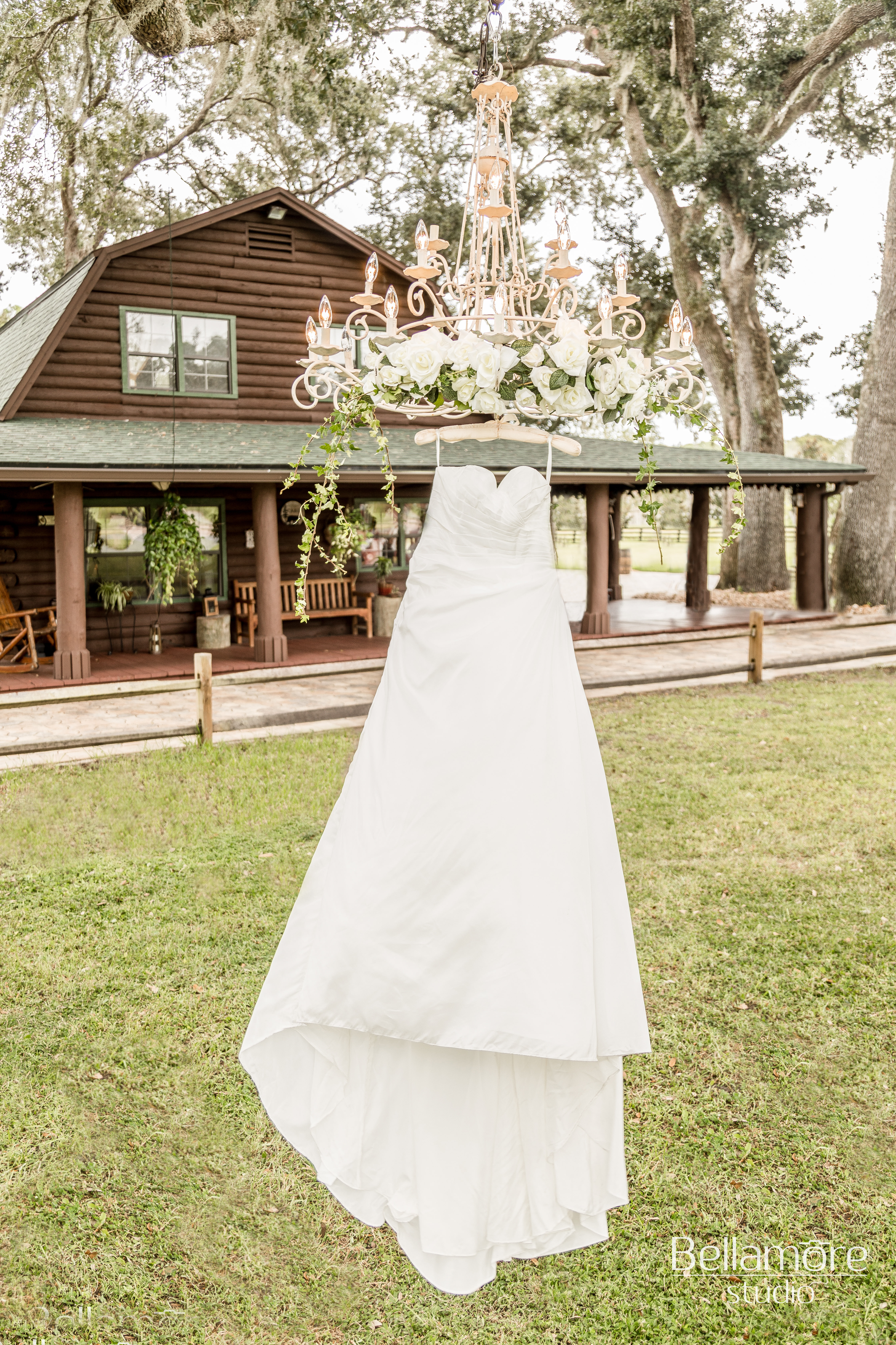 The Green Cabin Styled Shoot_005