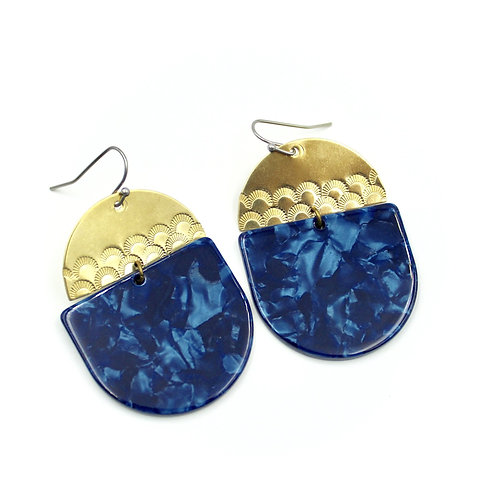 Carruthers Jewelry - Scalloped Blue Earrings