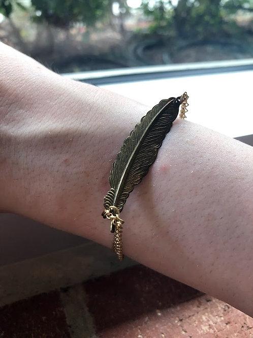 BR Shine - Golden Feather Dainty Delicate Bracelet