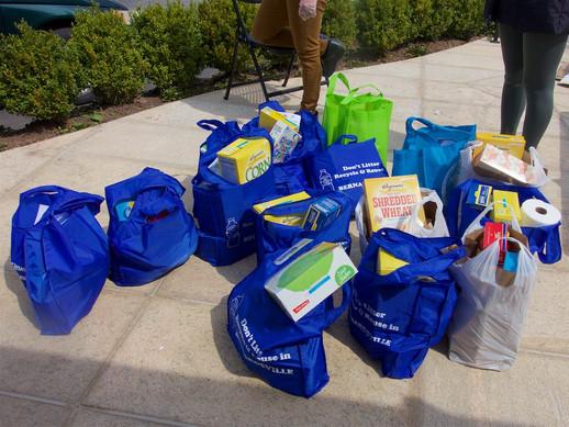 Food Pantry Aprl 17 pick up 3.jpg