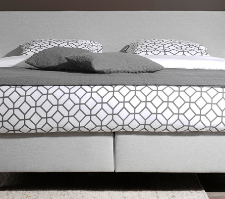 5 Sales must-haves for your bed