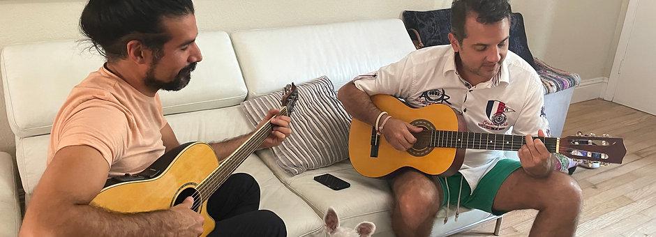 4 Live Guitar Lessons