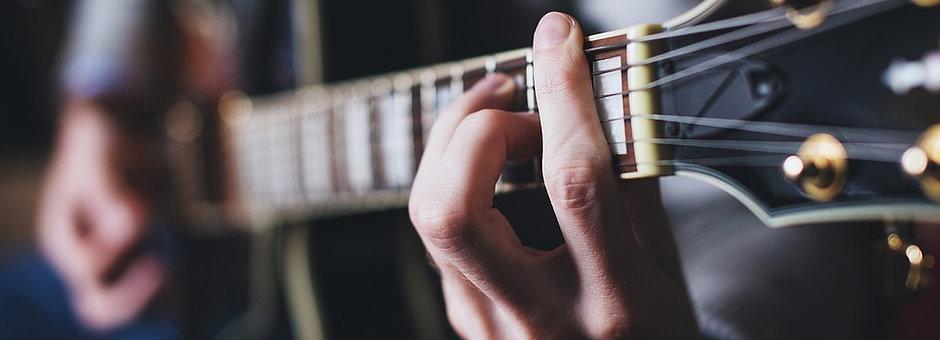 Guitar or Bass  Class (30 min)