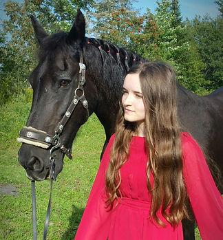 Kadence Larsen photo with horse.jpg