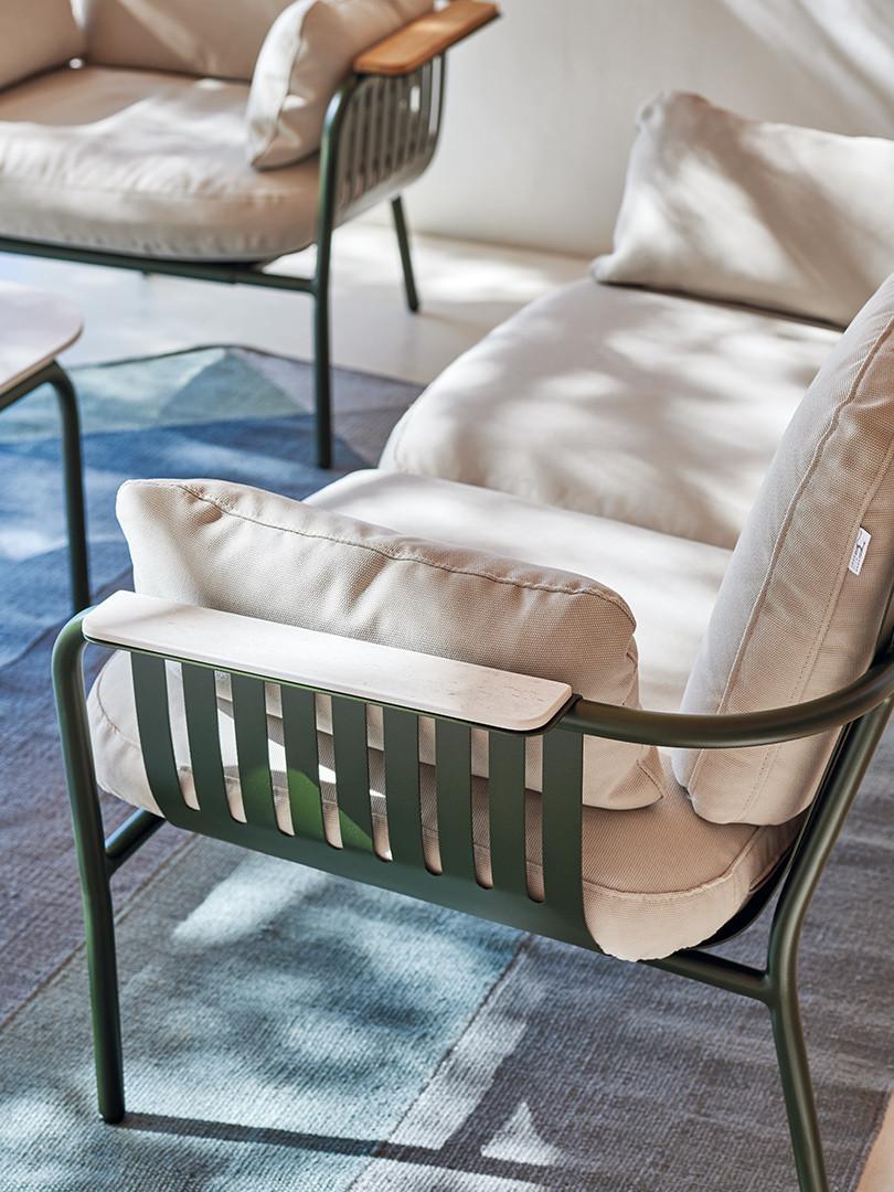 capa-2-seat-sofa-product-detail.jpg