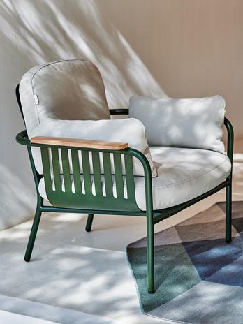 capa-lounge-chair-product-detail.jpg