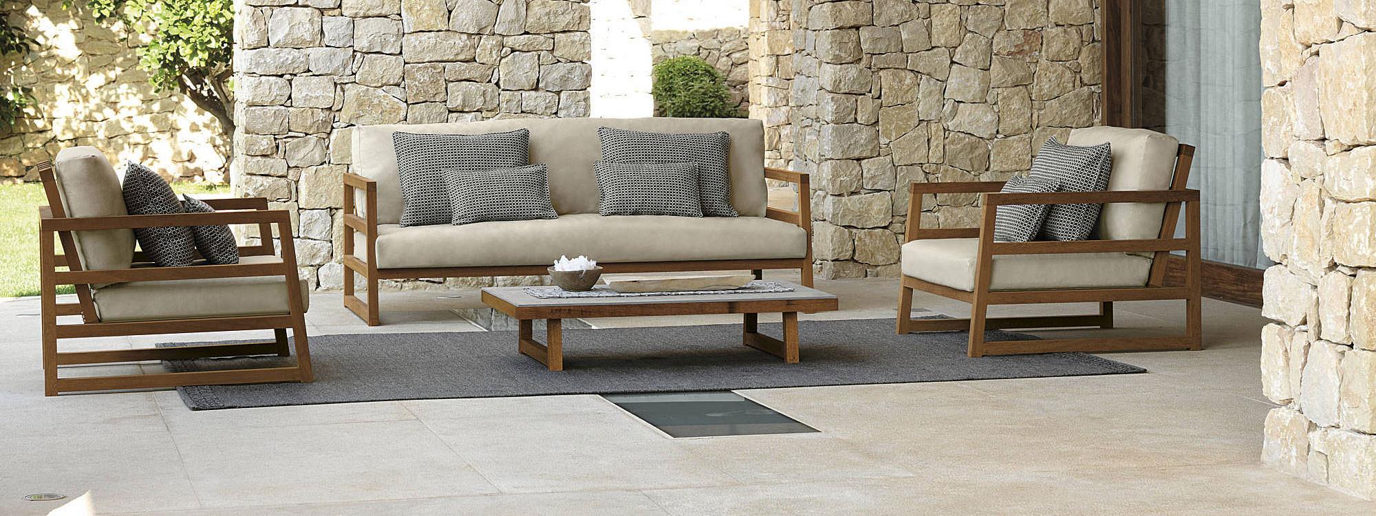 Modern-stylish-geometric-teak-garden-fur