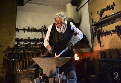 Umelecký kováč Peter Gurník