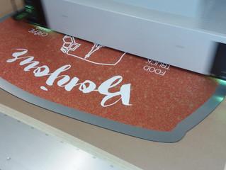 Large format digital printing on die-cut Dibond