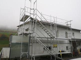 Gerüstung für Dachsanierung
