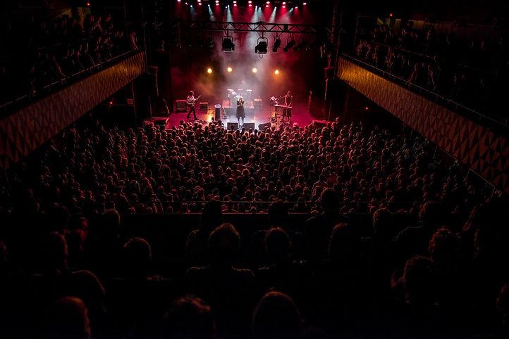 Katinka koncert i Vega 2018, hvor Simon Ask er guitarist