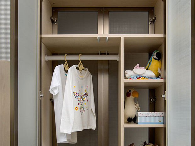 Kids-Wardrobe-in-Light-Brown-Finish-PLYP
