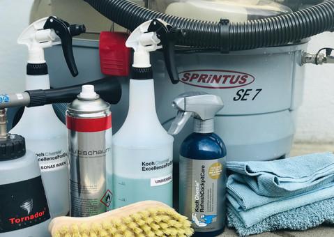 Innenraumreinigung - eine Auswahl unserer Produkte und Arbeitsmittel