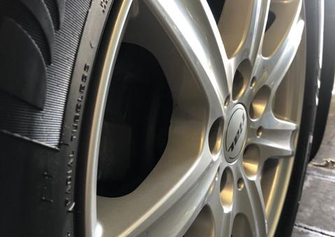 Reifen- und Felgenpflege
