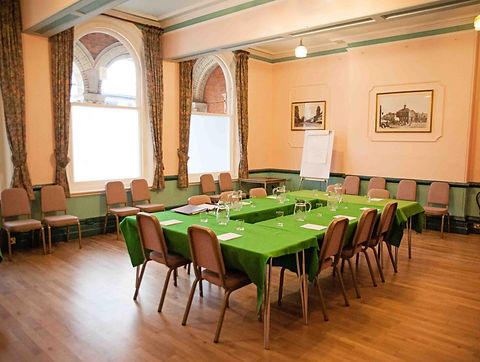 Magistrates-room-town-hall-hungerford-to