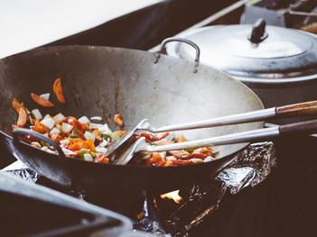 電気?ガス?キッチンカ―調理に何が必要なのか?調理機器の熱源について