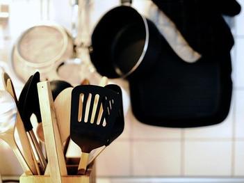 キッチンカーの調理機器について