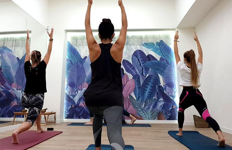 clase de yoga madrid guerrero 1