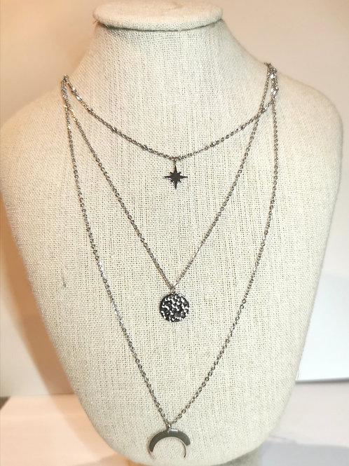 Collier triple chaines étoile, médaillon et lune