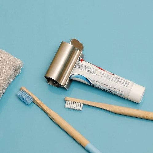 Économiseur de dentifrice-la chaise longue