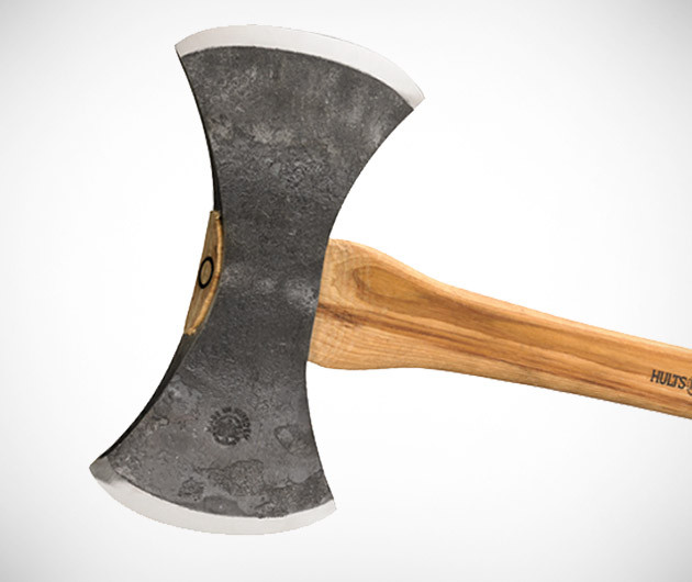 hults-bruk-axes-04.jpg