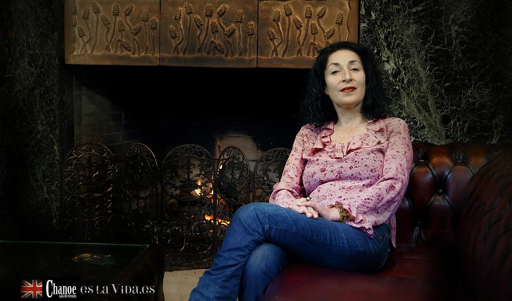 Doris Izvernariu at Chanoe Auto Classical Showroom Madrid